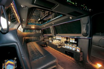 CT stretch limousine interior 9 passenger image
